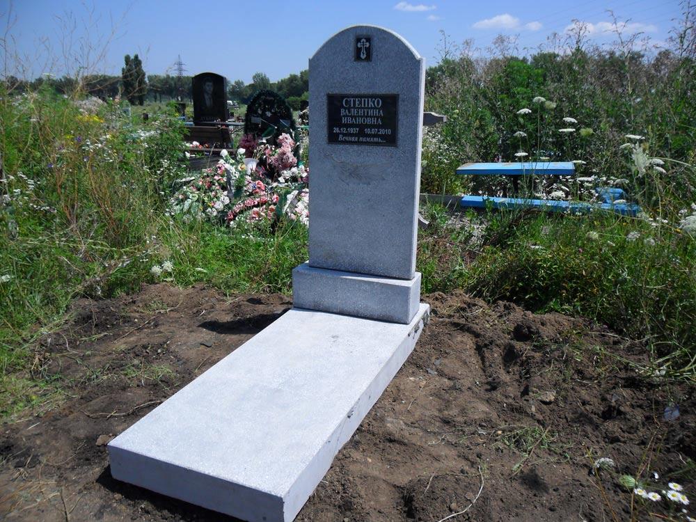 Изготовление памятников фото Невинномысск установка памятника на могилу цены 2018
